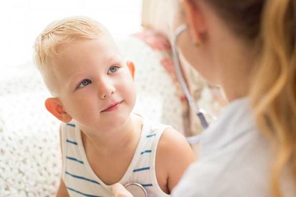 boy-smiling-at-nurse
